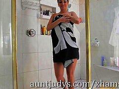 Skinny Milf Alana Luv Has Some Fun In The Shower Porn 9e