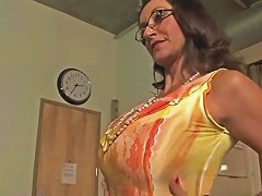 Very Sexy Step Mama Persia Monir Bonnie Skye Gives Blowjob Hard Touching Dad's Friend