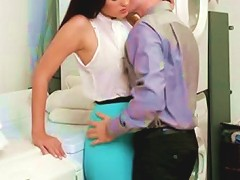 Alluring Housewife Gets Her Coochie Licked In Bathroom