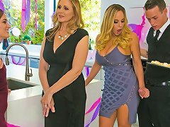 Julia Ann Olivia Austin Justin Hunt In My Stepmoms Social Club Brazzersnetwork Txxx Com
