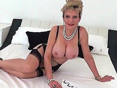 British Milf Jerks Strangers Cock Titfuck Handjob Porn A0