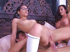 Latina Step Mom And Guy Teach Not Her Daughter Fucking