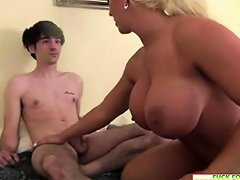 Busty Mom Wants Sperm From The Young Cock Drtuber