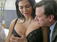 Attractive Raven Haired Bombshell With Massive Bobs Gets Nailed