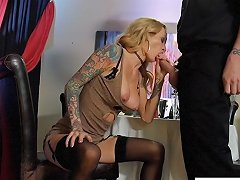 Busty Milf Sarah Really Wants To Fuck The Bartender